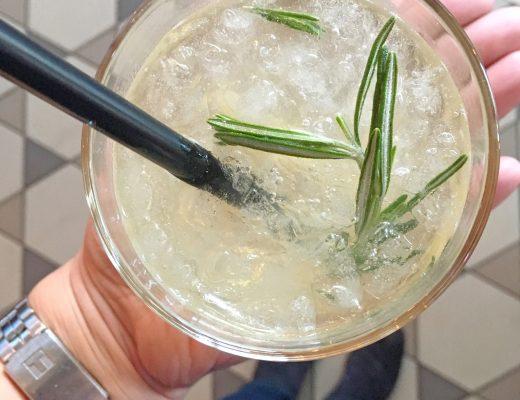 Apfel Holunder Mocktail von Sodastream