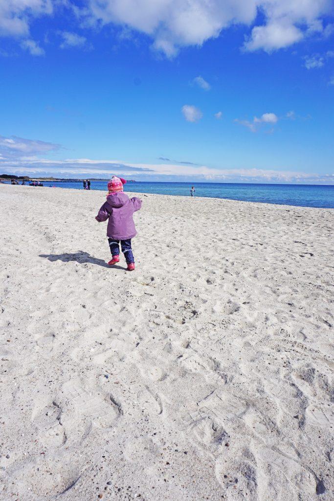 Weißer Sandstrand am Südstrand auf Fehmarn