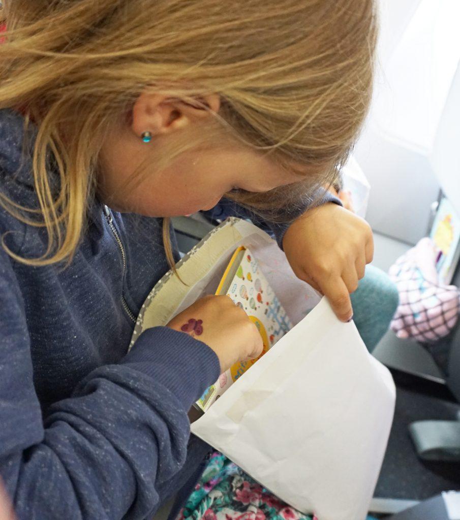 Flugzeug wundertet öffnen Beschäftigung Kinder