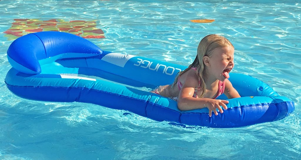 aqualounge im pool