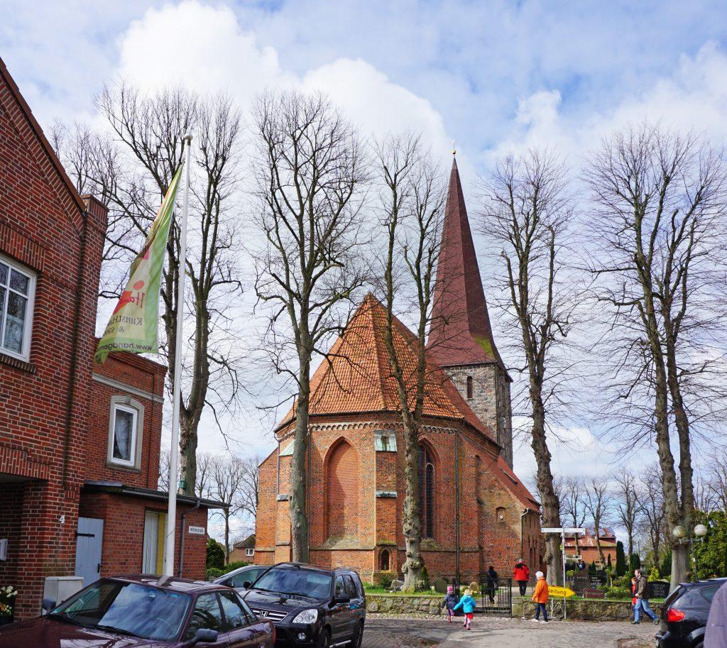 Kirche-Petersdorf-Fehmarn-Osterngottesdienst