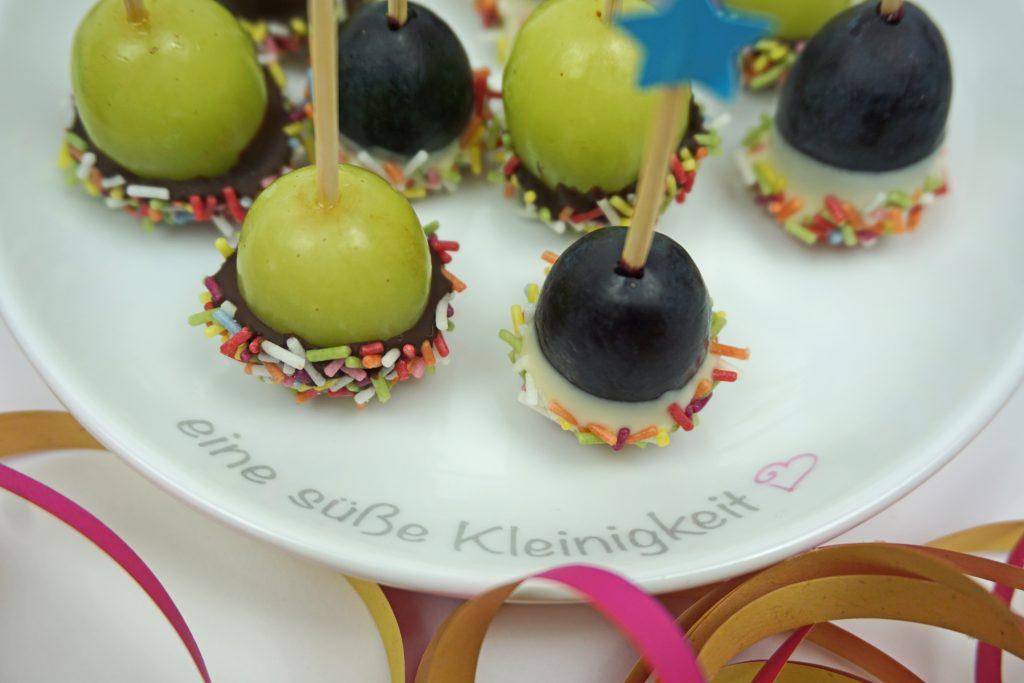 Konfetti Trauben-Pops-Fasching Karneval Snack Kindergeburtstag