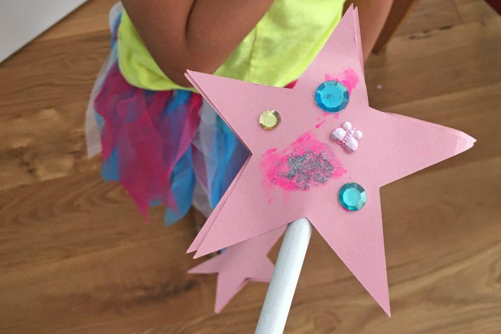 Zauberstab-basteln-Kindergeburtstag-Vorlage-Einhorn-Tuellrock