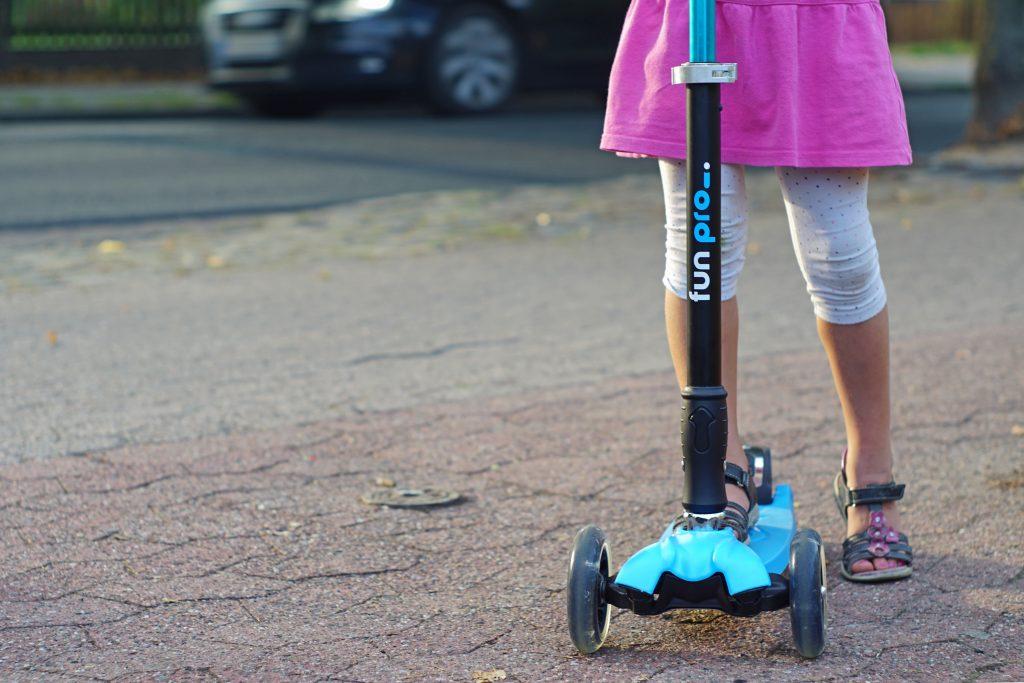 fun-pro-Roller-Kinderroller-one-two-Straße