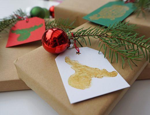 Geschenkanhänger Kartoffeldruck Selbermachen DIY Kinder Weihnachten Geburtstag Geschenke