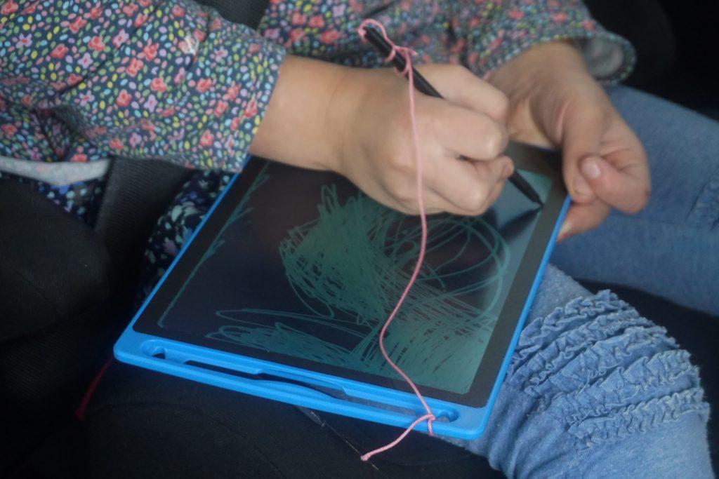 Kinder Auto Reise Box Beschaeftigung Autofahrt LCD Schreibtafel