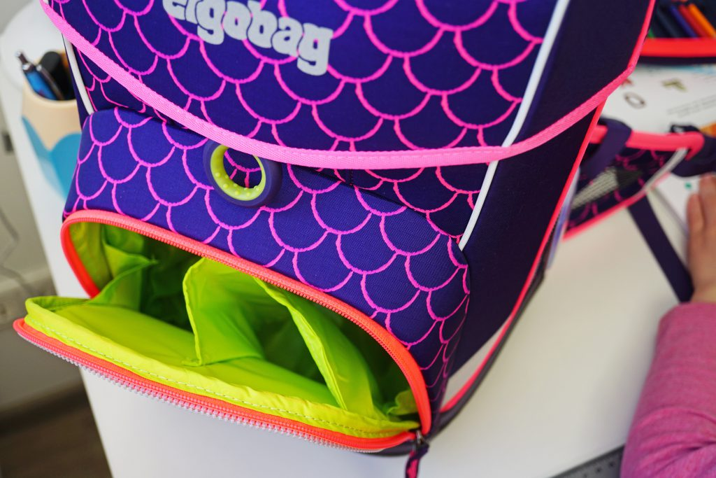 ergobag-cubo-light-Fronttasche-Brotdose-Trinkflasche